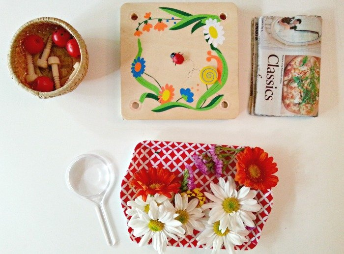 flower-pressing-montessori-activities
