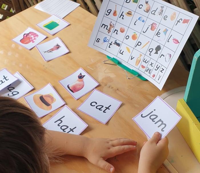 CVC words - matching cards Montessori Nature printable