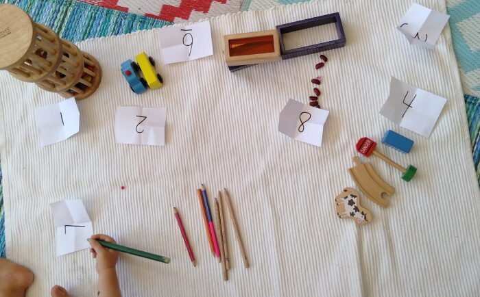 Math memory game with objects from the environment